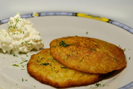 German potato pancakes Kartoffelpuffer
